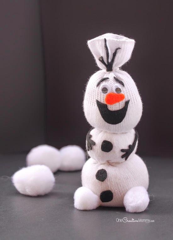 Lembrancinha frozen Olaf feito de meia