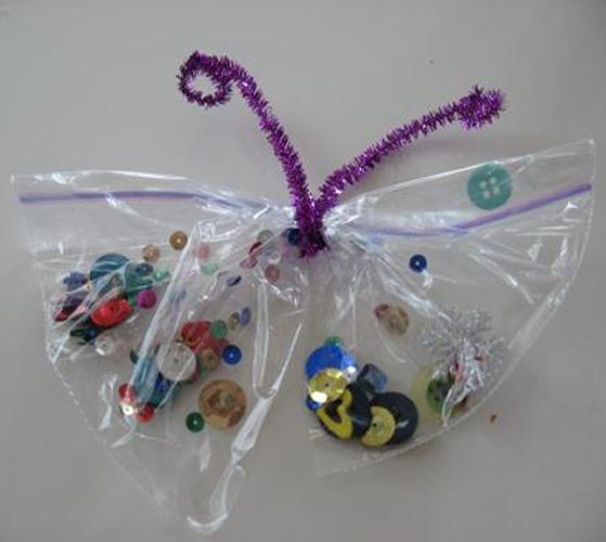 Borboleta com Saquinho Plástico