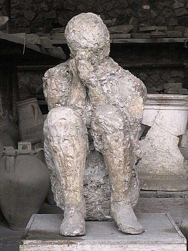 Escavação dos petrificados de Pompeia