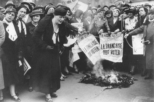 Manifestação a favor dos direitos das mulheres votarem
