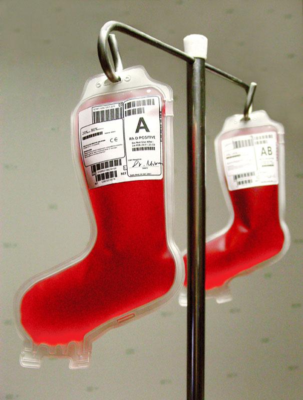 Bolsa de sangue em formato de meia de natal