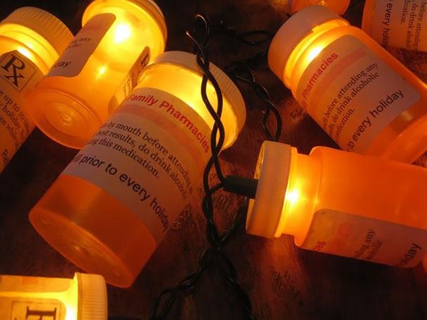 Pisca Pisca decorado com frascos de remédios
