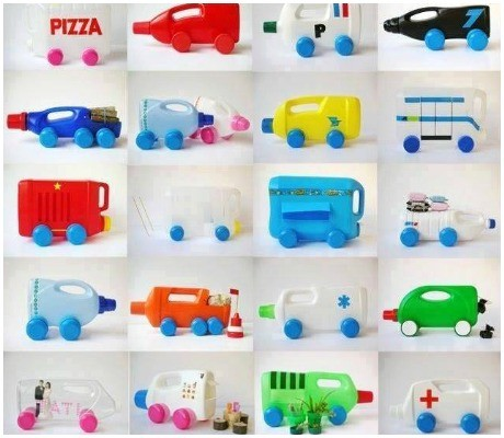 Carrinhos de garrafas plásticas