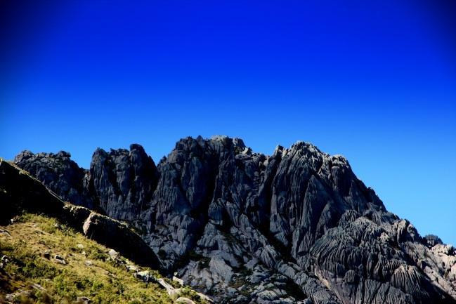 Pico das Agulhas Negras, o ponto mais alto do Parque Nacional do Itatiaia