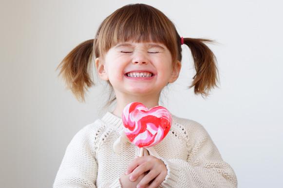 Criança com doce