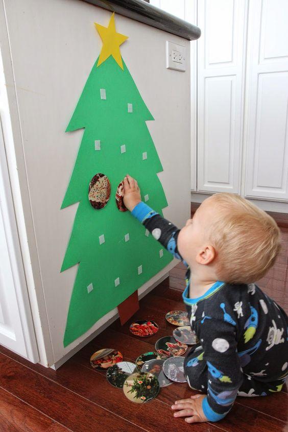 Projeto Natal - Ensinando as crianças a montar uma árvore de natal