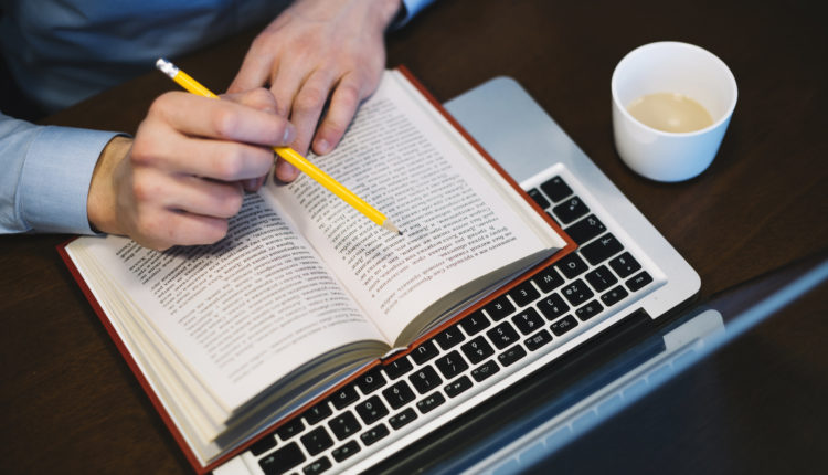 Como fazer uma redação dissertativa-argumentativa
