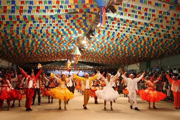 Saiba mais sobre as danças folclóricas brasileiras