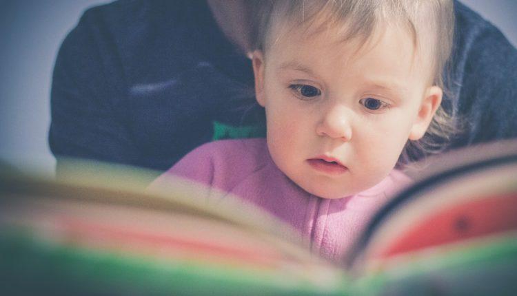 Conheça 15 poemas famosos para ler com as crianças