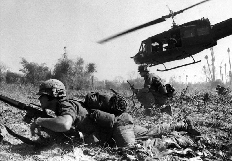 Guerra do Vietnã - Helicóptero americano