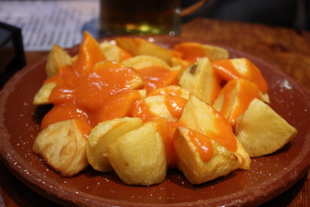 Comida espanhola fácil - Patatas Bravas