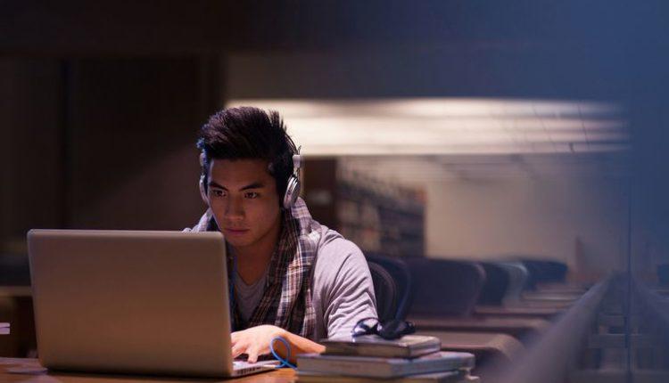 Universidade abrem edital para especialização grátis