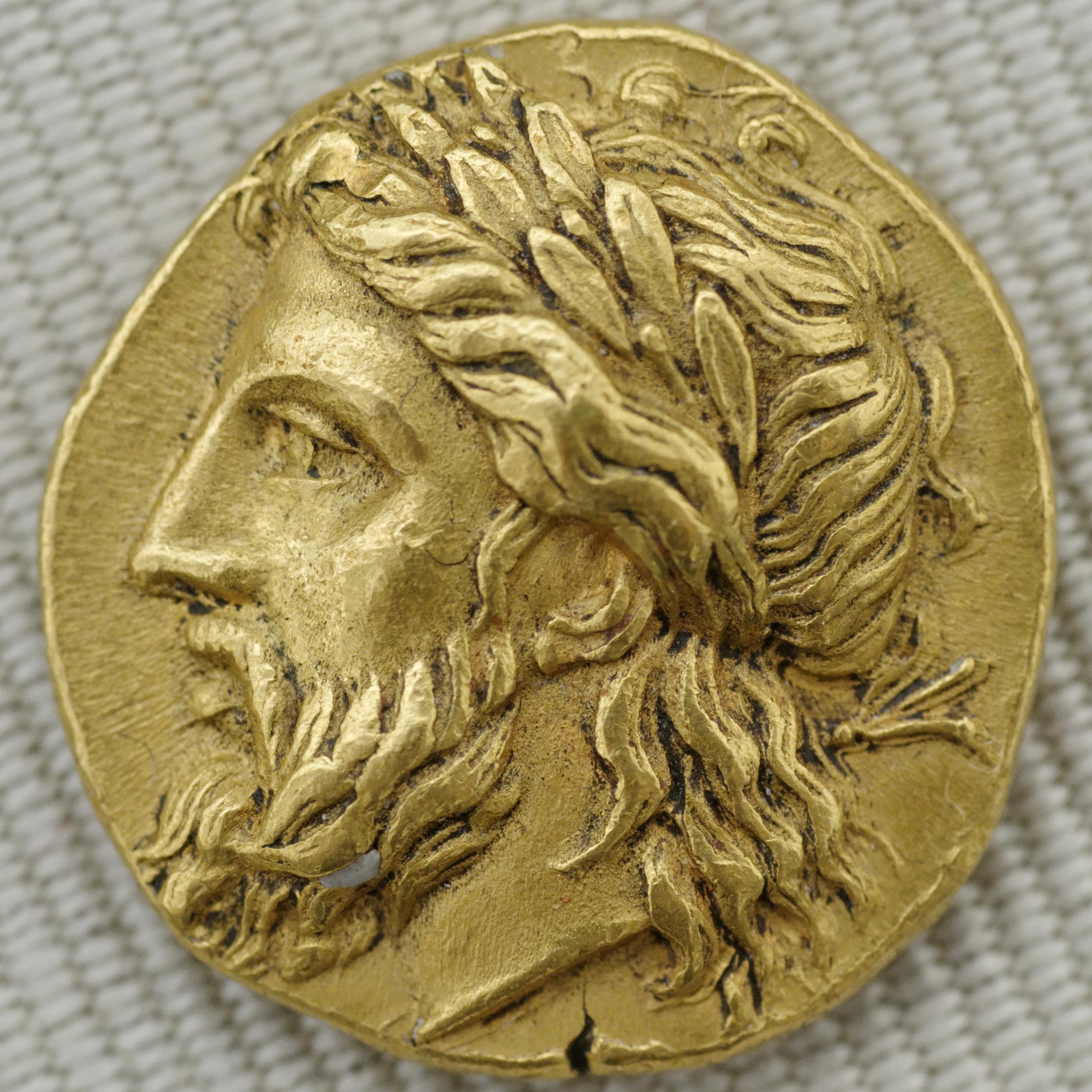 Zeus com coroa de louros