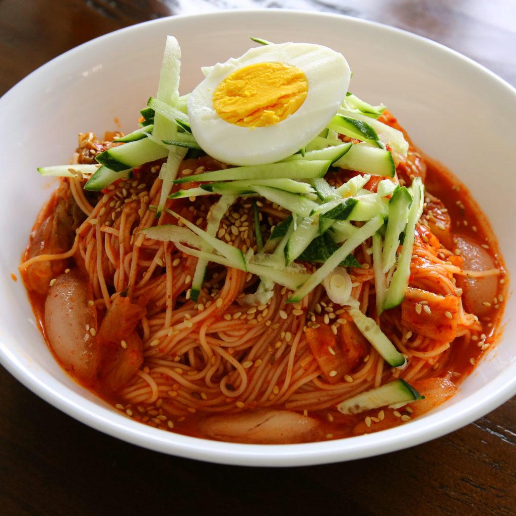Comidas para Vegetarianos na Coréia - Bibim Guksu