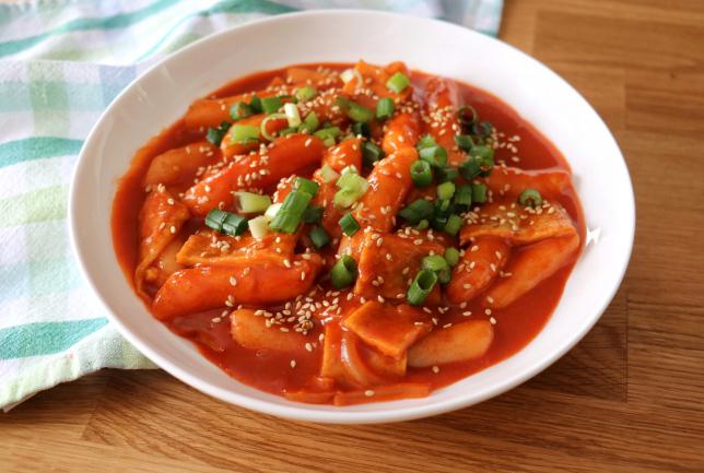 Pratos Coreanos Famosos - Tteokbokki