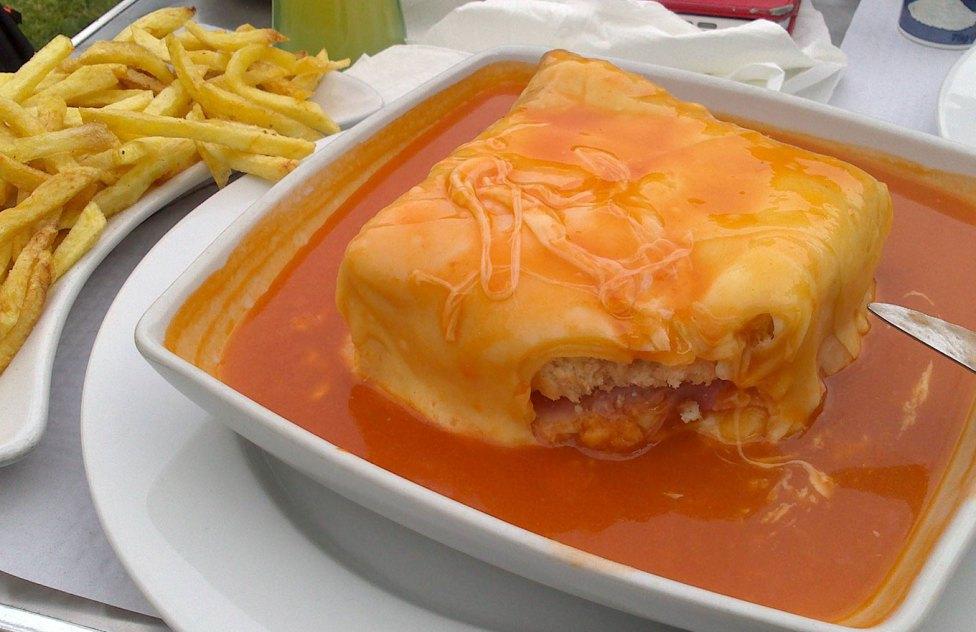 francesinha comida portuguesa