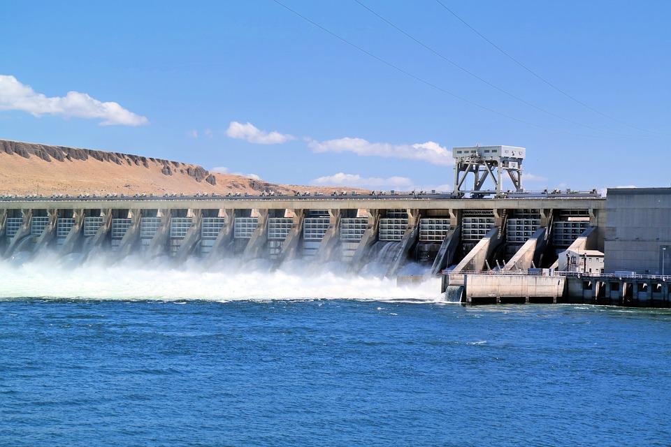 Desvantagens da Energia Hidráulica: