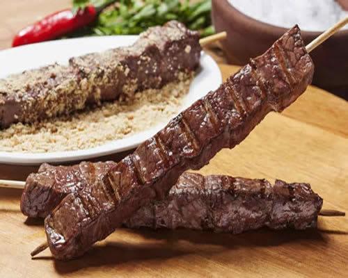 Comidas de festa junina: Espetinho de Carne