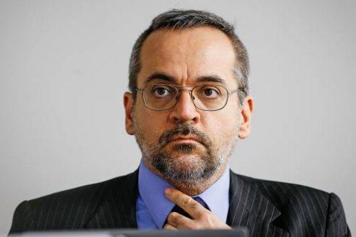 """Conheça o currículo de Abraham Weintraub, o novo Ministro da Educação. Ele também nega admissão de """"olavistas"""""""
