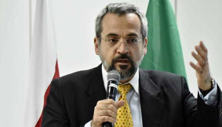 Paulo Freire e Kit gay não têm vez no governo de Bolsonaro