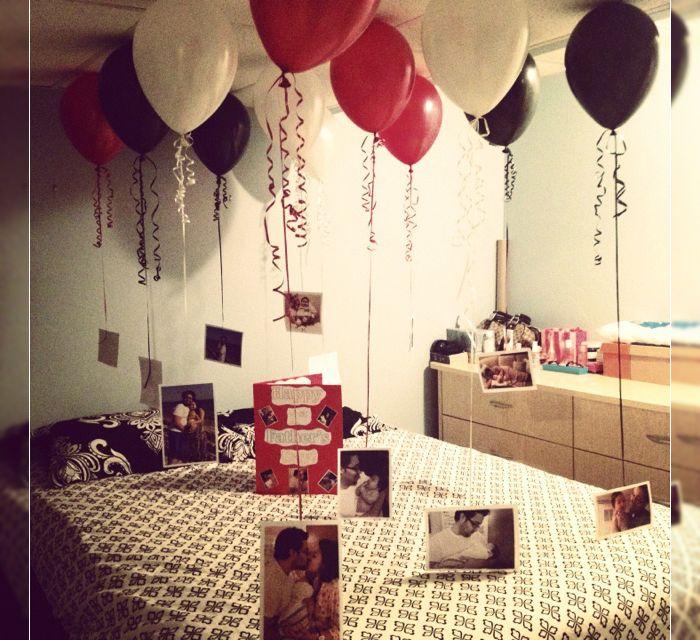 Balões com fotos de momentos do casal
