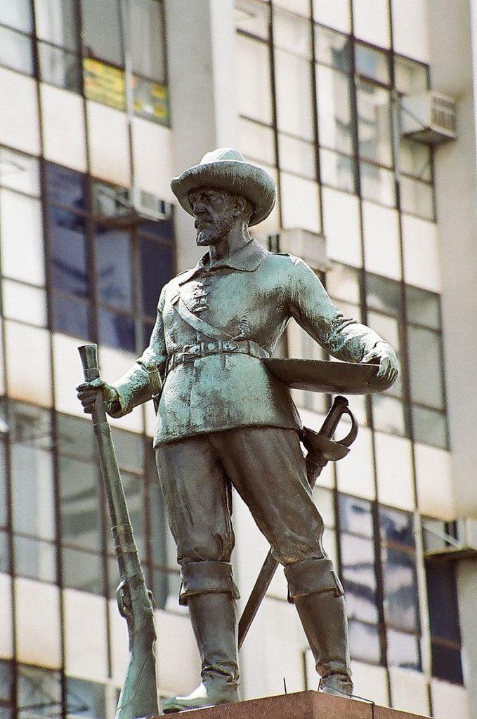 Monumento ao Bandeirante em Goiânia - Bartolomeu Bueno da Silva