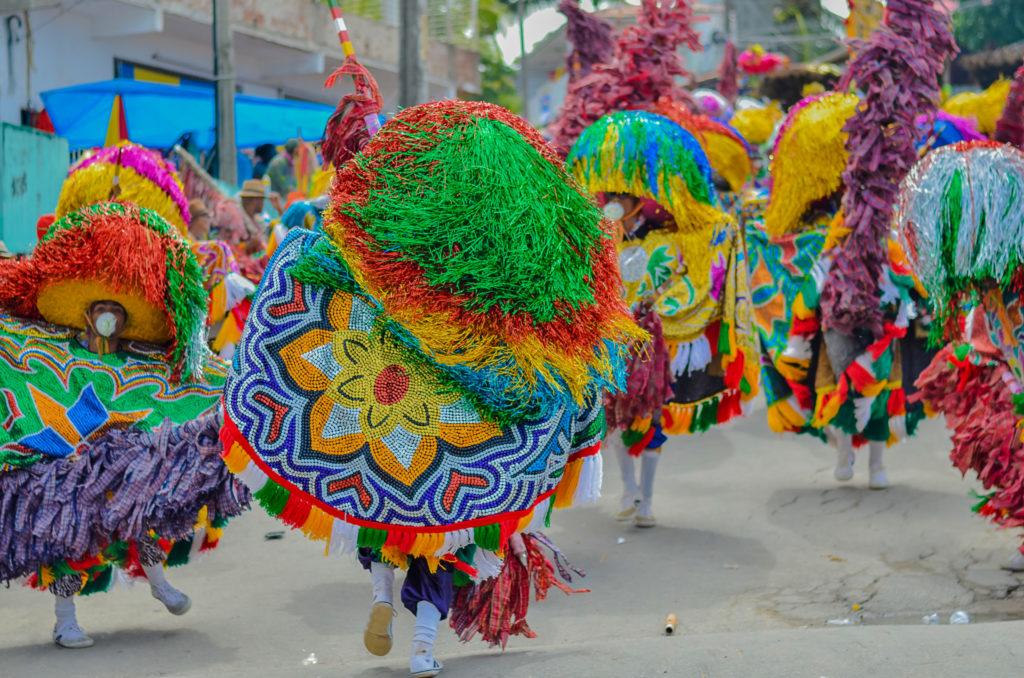 Danças populares brasileiras - maracatu