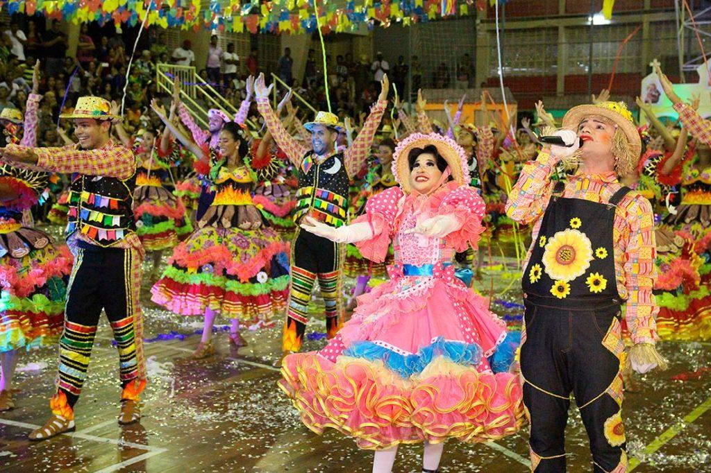 Danças populares brasileiras - quadrilha