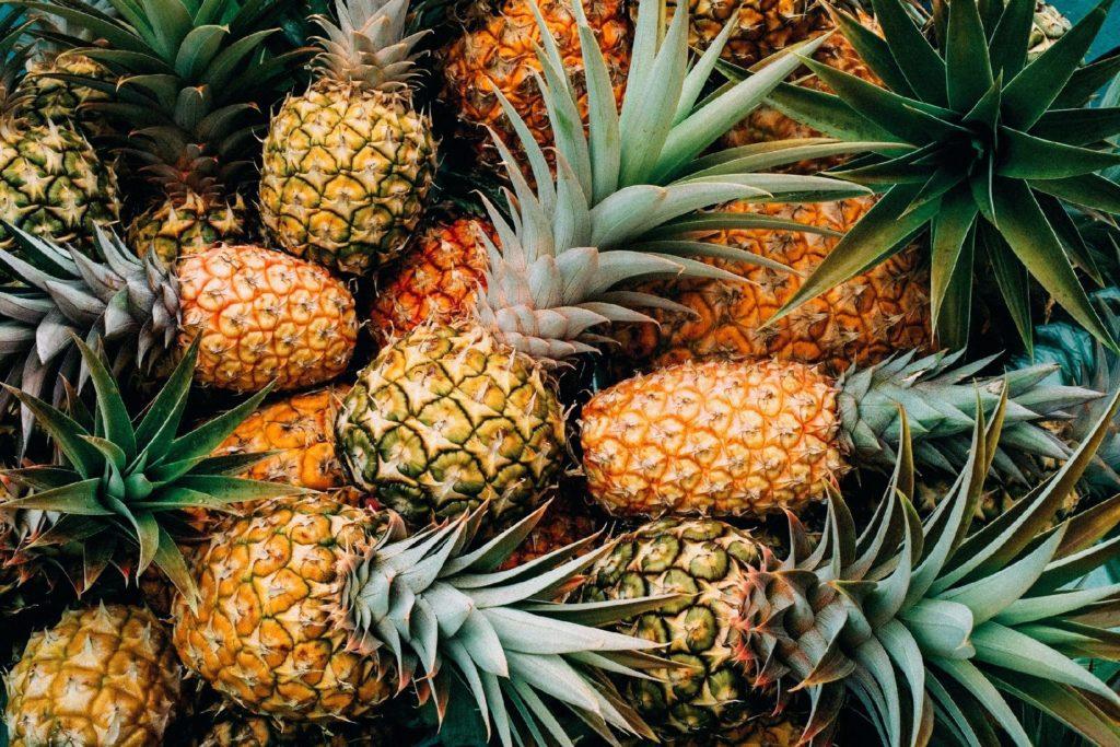 Fruta com A - Abacaxi