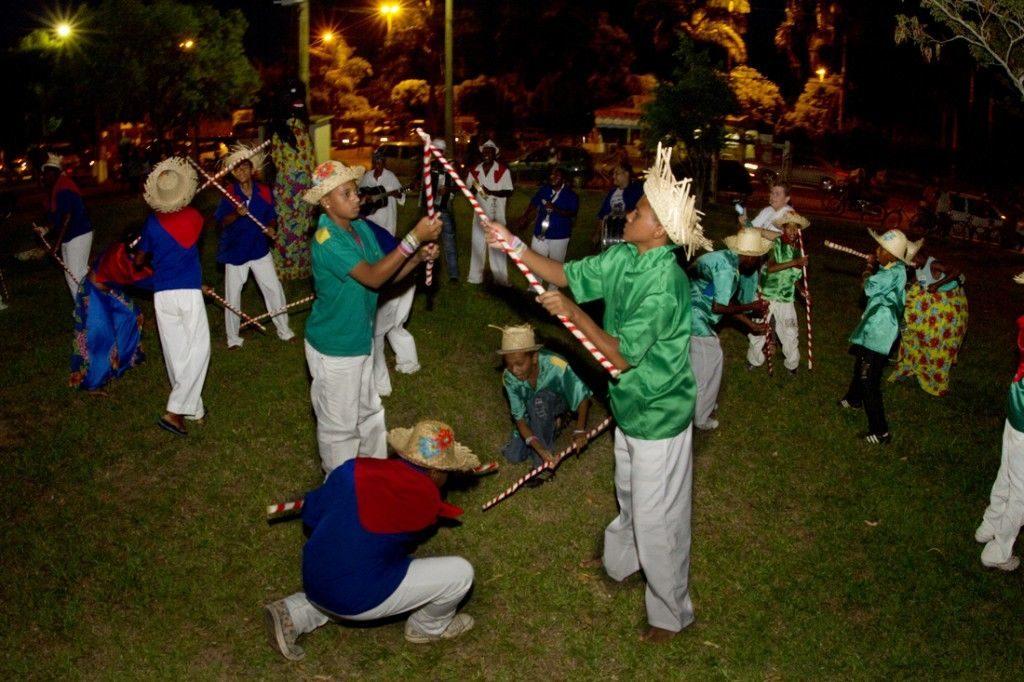 Danças Típicas do Sudeste - Mineiro Pau