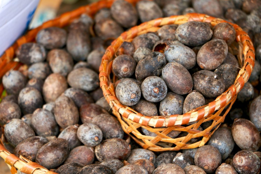 Fruta com U - Uxi