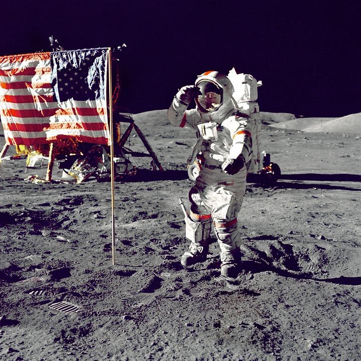 No Mundo da Lua