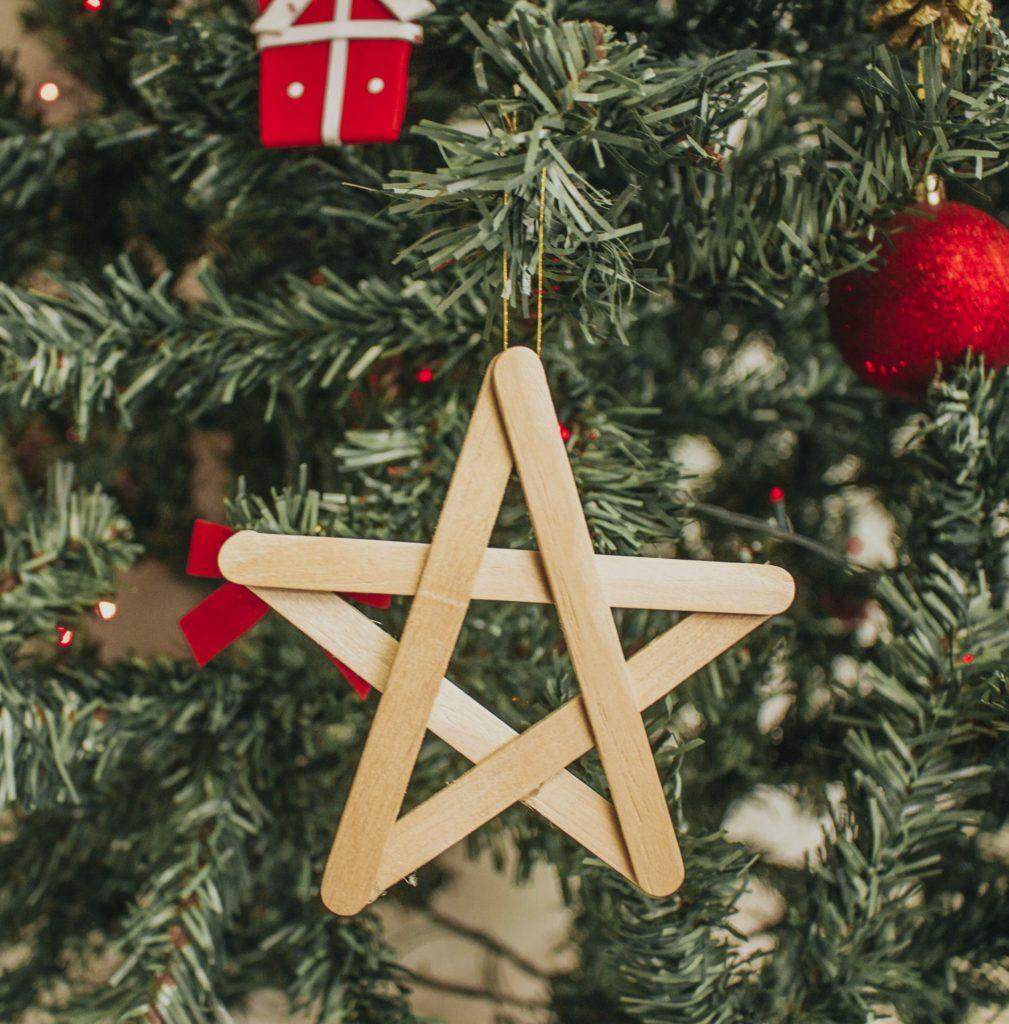 Enfeites de Natal com palito de picolé