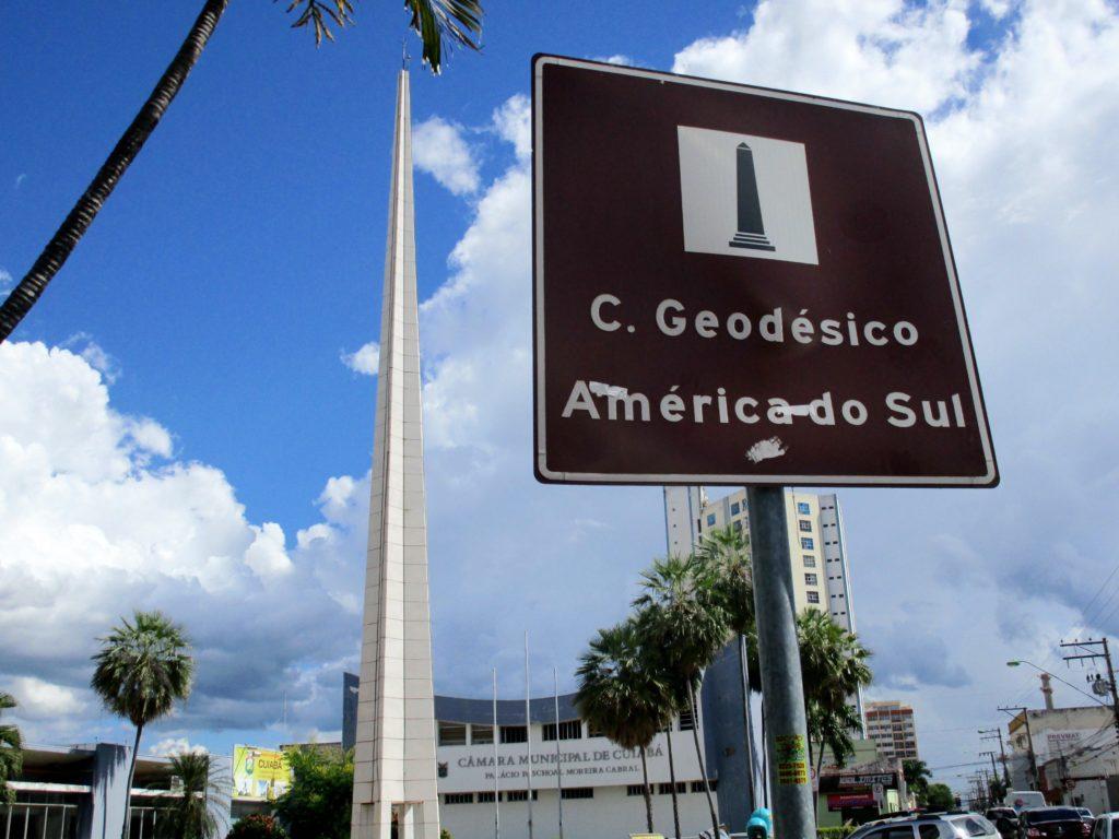 obelisco câmara dos vereadores de Cuiabá