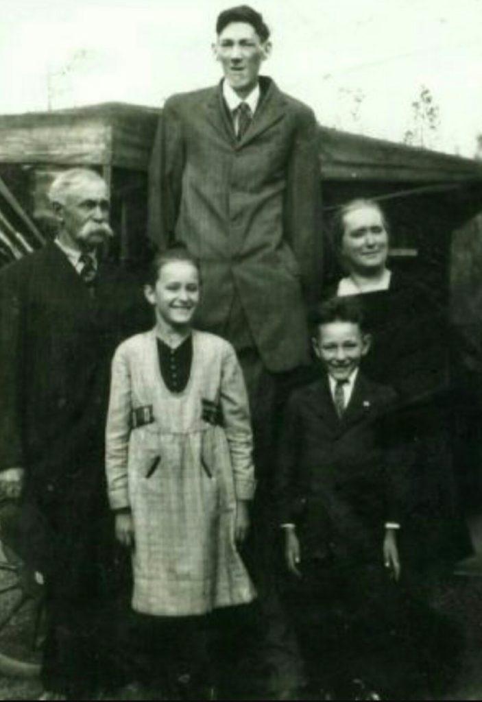 Bernard Coyne (2,49 m)