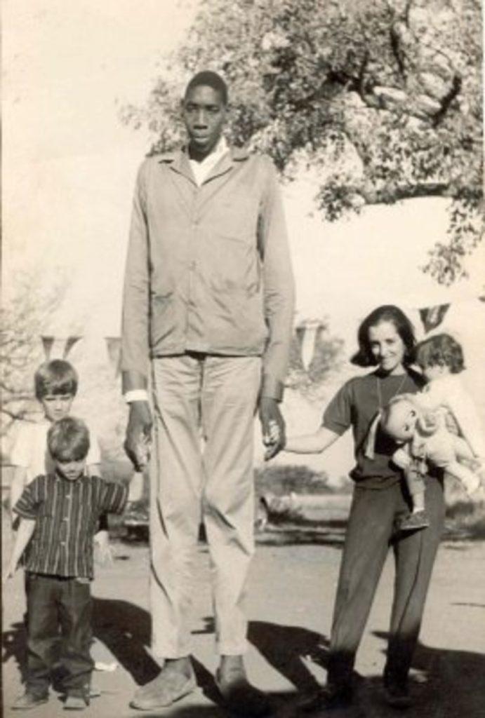 John Rogan (2,64 m)