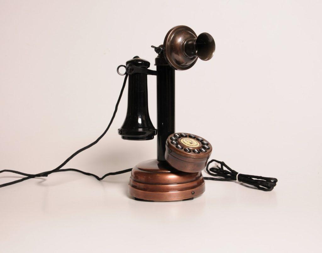 A evolução do telefone - castiçal