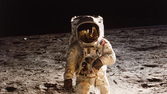 Buzz Aldrin andando na Lua