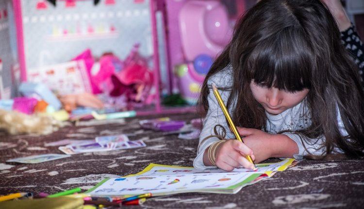 Atividades educativas para as crianças aprenderem em casa