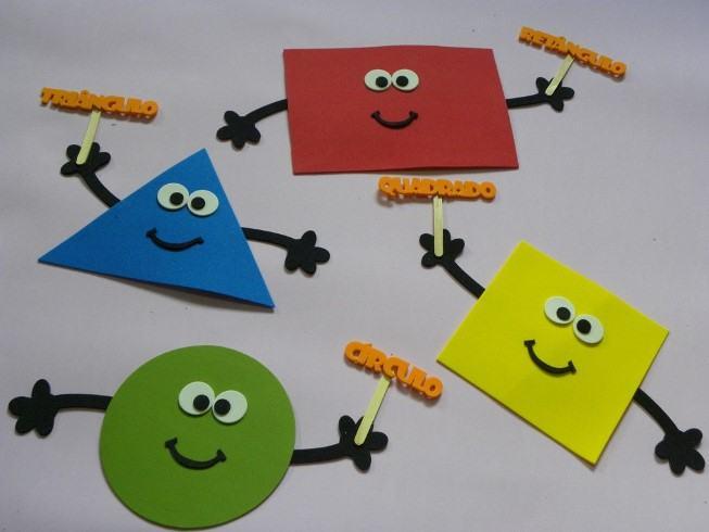 Figuras geométricas em eva para ensinar crianças