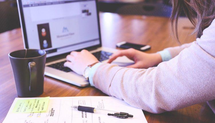 Bolsas de Estudo - Mais de 150 mil vagas em cursos na área de TI