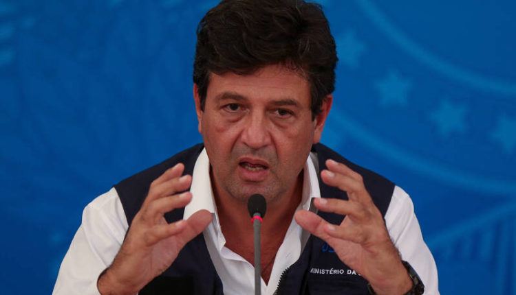 Ministro da Saúde, Luiz Henrique Mandetta, incentiva o uso de máscaras de pano