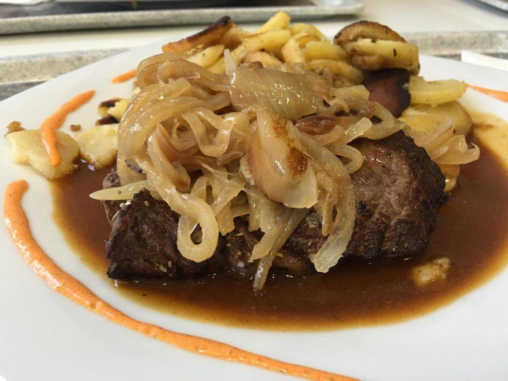 Comida com Z - Zwiebelrostbraten