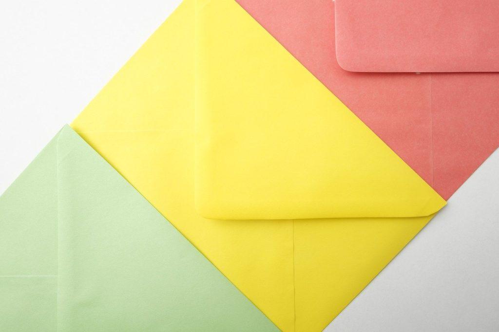 Objeto com E - Envelope