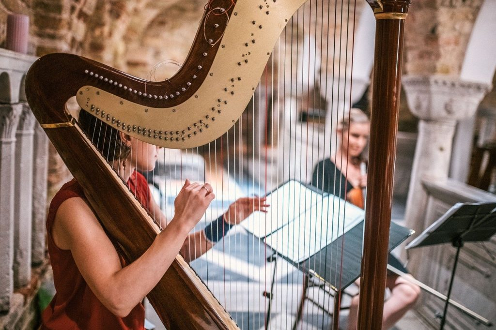 Objeto com H - Harpa