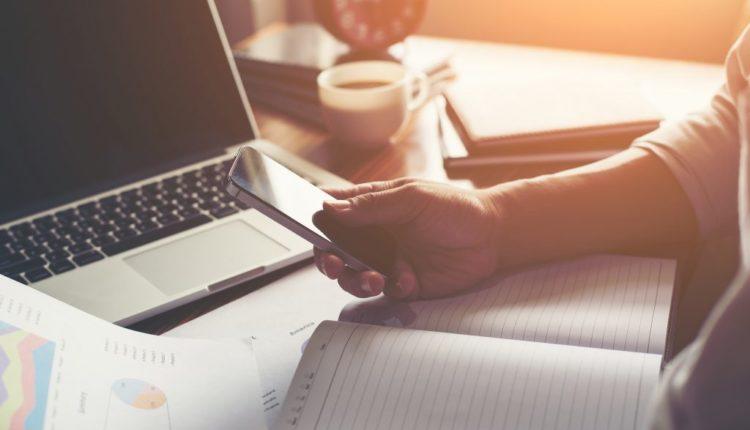 Plataformas oferecem cursos online gratuitos com certificado