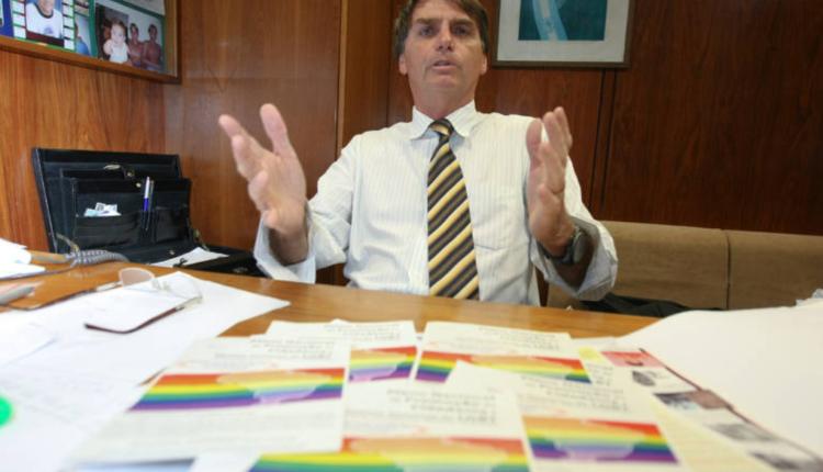 Bolsonaro e projeto contra ideologia de gênero