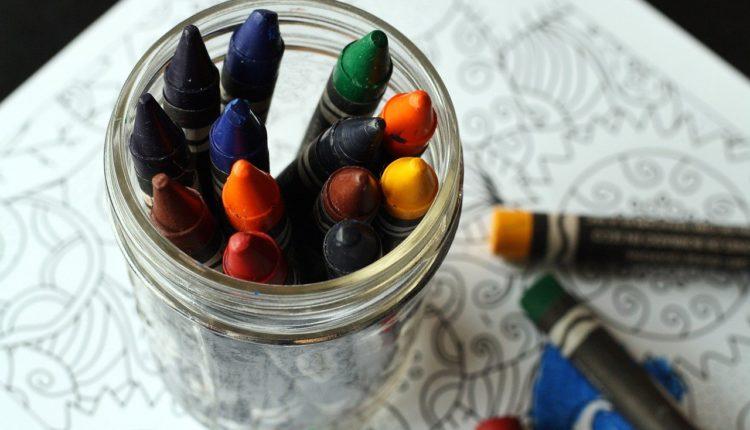 50 desenhos de dinossauro para colorir - Escola Educação