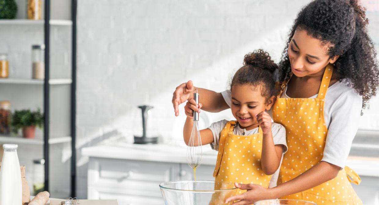 Cozinhando com criança